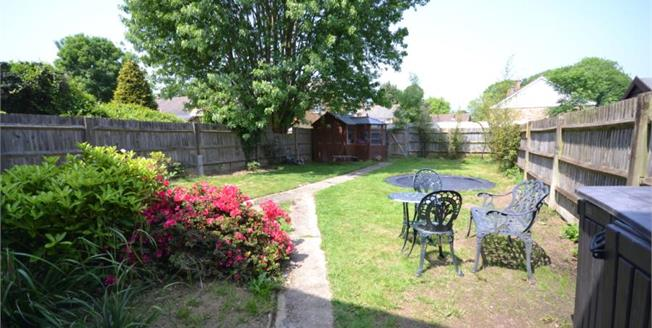 Guide Price £380,000, 3 Bedroom Terraced House For Sale in Langton Green, TN3