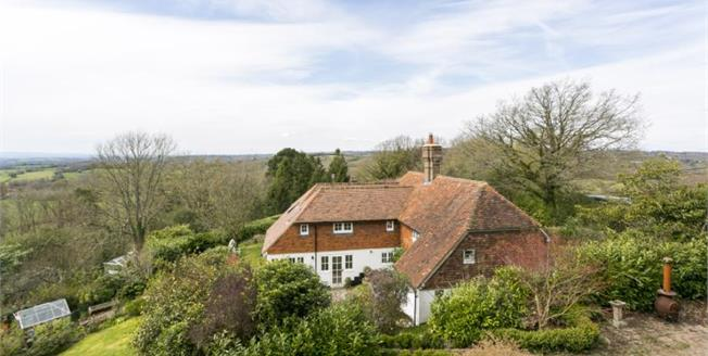 Guide Price £850,000, 4 Bedroom Detached House For Sale in Castle Hill, TN6