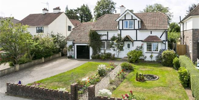 Guide Price £795,000, 4 Bedroom Detached House For Sale in Speldhurst, TN3