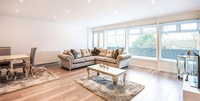 Guide Price £235,000, 2 Bedroom Flat For Sale in Tunbridge Wells, TN2