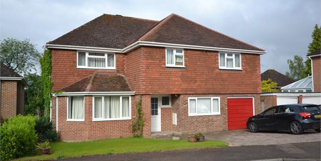 Guide Price £800,000, 5 Bedroom Detached House For Sale in Tunbridge Wells, TN4