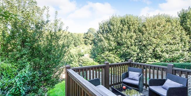 Guide Price £550,000, 3 Bedroom Semi Detached House For Sale in Tunbridge Wells, TN1