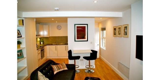 Guide Price £130,000, 1 Bedroom Flat For Sale in Tunbridge Wells, TN4