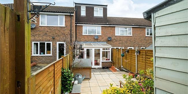 Guide Price £325,000, 3 Bedroom Terraced House For Sale in Tunbridge Wells, TN4