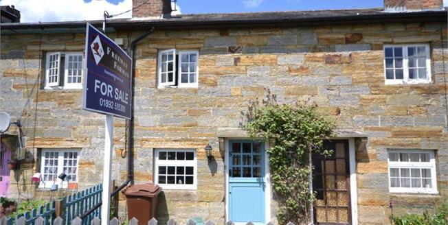 Guide Price £300,000, 2 Bedroom Terraced House For Sale in Lamberhurst, TN3