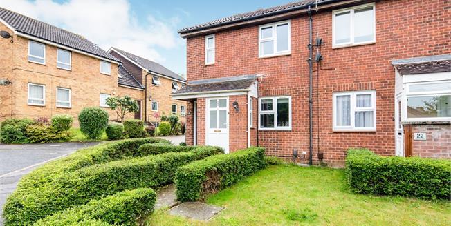 Asking Price £200,000, 1 Bedroom Flat For Sale in Tunbridge Wells, TN2