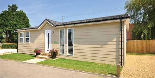Guide Price £165,000, 2 Bedroom Mobile Home For Sale in Golden Cross, BN27