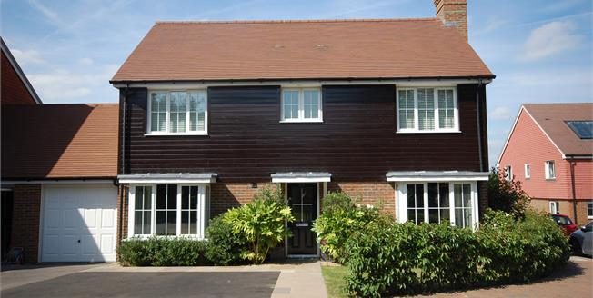 Asking Price £475,000, 4 Bedroom Detached House For Sale in Ridgewood, TN22