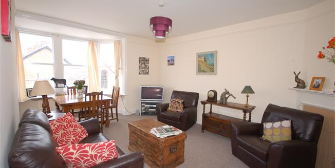 Asking Price £179,950, 2 Bedroom Flat For Sale in Uckfield, TN22