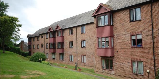 Asking Price £105,000, 1 Bedroom Flat For Sale in Uckfield, TN22