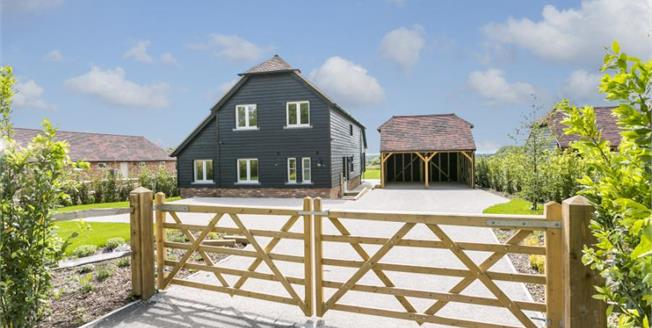 £795,000, 4 Bedroom Detached House For Sale in Lewes, BN8