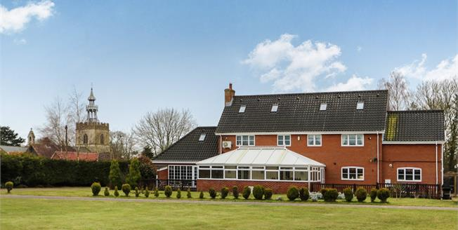 Guide Price £700,000, 6 Bedroom Detached House For Sale in Shipdham, IP25