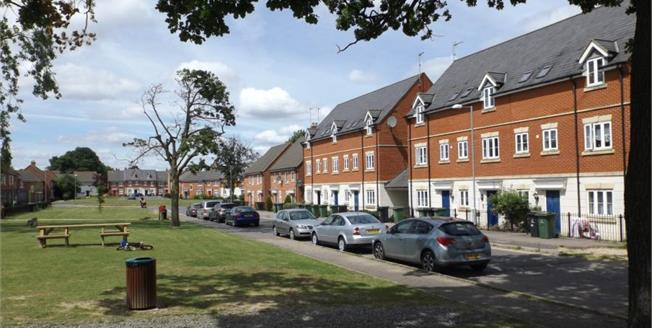 Asking Price £90,000, 1 Bedroom Upper Floor Flat For Sale in Watton, IP25