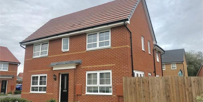 £199,950, 3 Bedroom Semi Detached House For Sale in Carbrooke, IP25