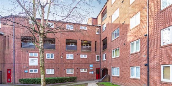 Guide Price £80,000, 2 Bedroom Upper Floor Flat For Sale in Derby, DE1
