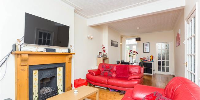 Guide Price £135,000, 3 Bedroom Terraced House For Sale in Derby, DE22