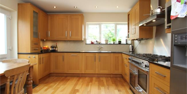 Guide Price £520,000, 4 Bedroom Detached Bungalow For Sale in Budleigh Salterton, EX9