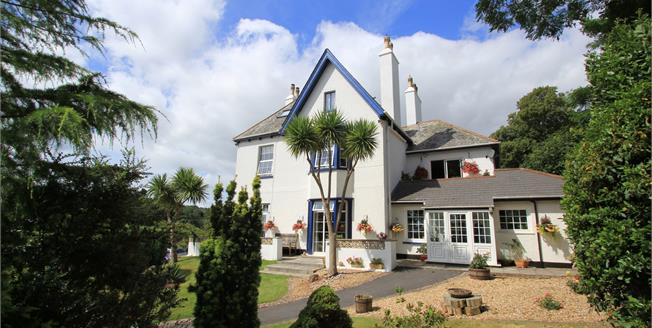 Guide Price £335,000, 2 Bedroom Flat For Sale in Budleigh Salterton, EX9