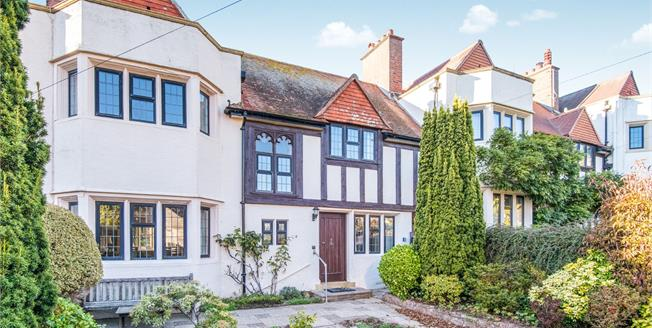 Guide Price £560,000, 4 Bedroom Terraced House For Sale in Budleigh Salterton, EX9