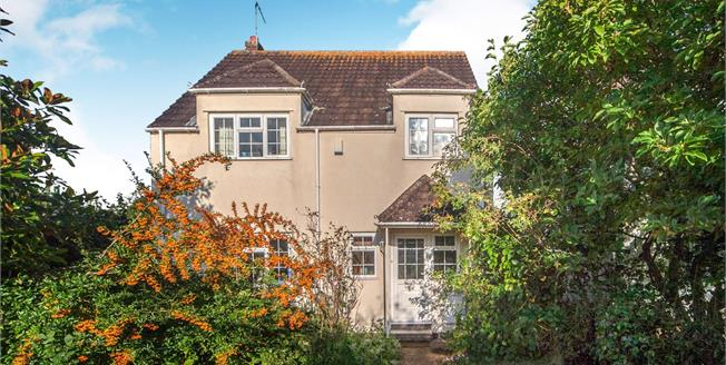 Guide Price £395,000, 3 Bedroom Detached House For Sale in Otterton, EX9