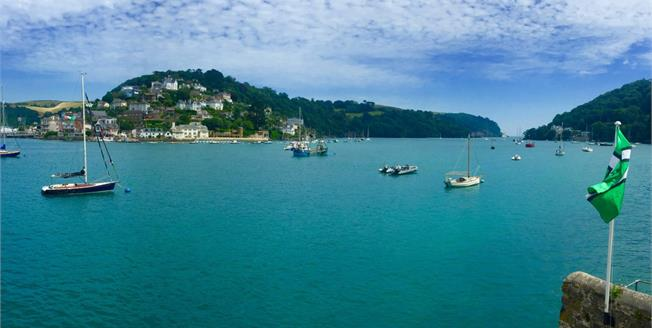 Offers in excess of £450,000, 2 Bedroom Flat For Sale in Dartmouth, TQ6