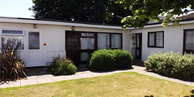£55,000, 2 Bedroom Terraced Bungalow For Sale in Dawlish Warren, EX7