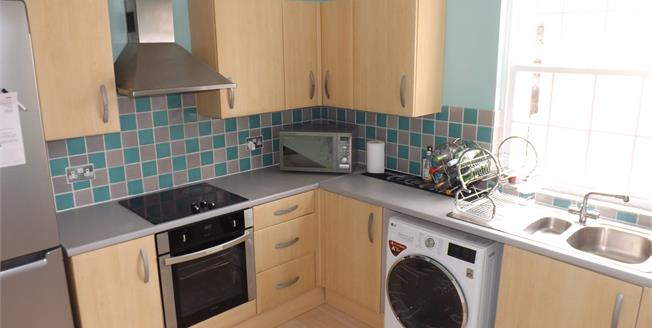 Offers in excess of £140,000, 3 Bedroom Maisonette For Sale in Starcross, EX6