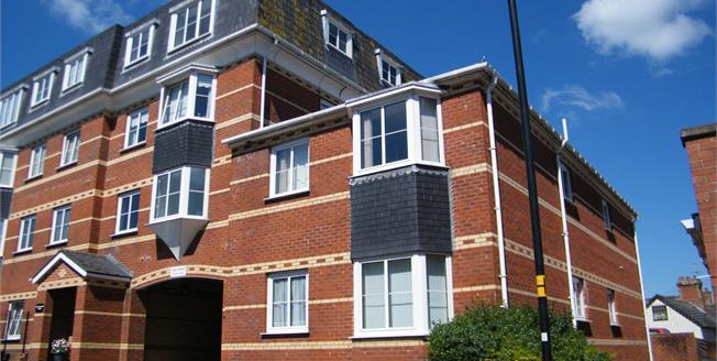 Offers in excess of £115,000, 2 Bedroom Flat For Sale in Exmouth, EX8