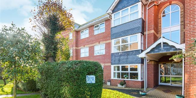 Offers Over £190,000, 2 Bedroom Flat For Sale in Exmouth, EX8