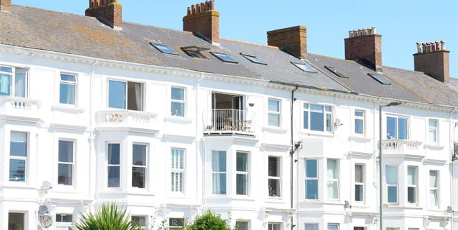 Asking Price £365,000, 3 Bedroom Flat For Sale in Exmouth, EX8