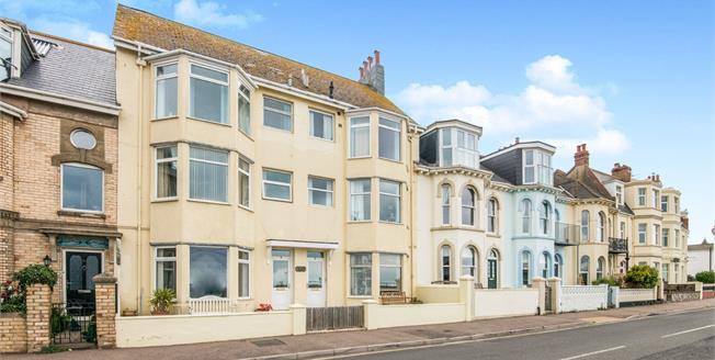 Asking Price £230,000, 2 Bedroom Flat For Sale in Exmouth, EX8