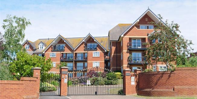 Asking Price £475,000, 3 Bedroom Flat For Sale in Exmouth, EX8