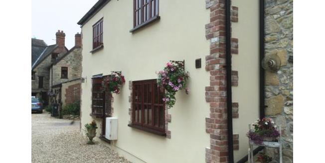 Offers in the region of £270,000, 3 Bedroom Semi Detached House For Sale in Weycroft, EX13
