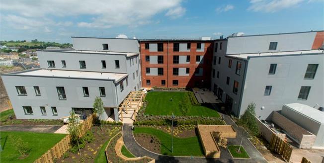 £150,000, 2 Bedroom Ground Floor Flat For Sale in Newton Abbot, TQ12