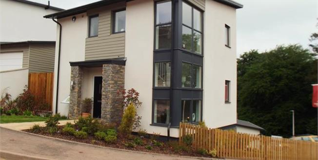 £374,950, 3 Bedroom Semi Detached House For Sale in Totnes, TQ9