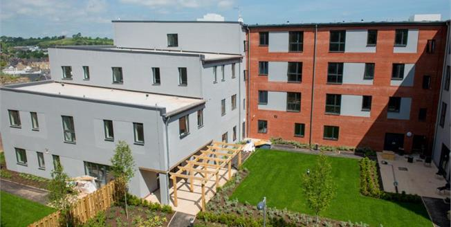 £146,250, 2 Bedroom Ground Floor Flat For Sale in Newton Abbot, TQ12