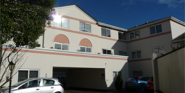 Offers in excess of £66,000, 1 Bedroom Flat For Sale in Paignton, TQ4