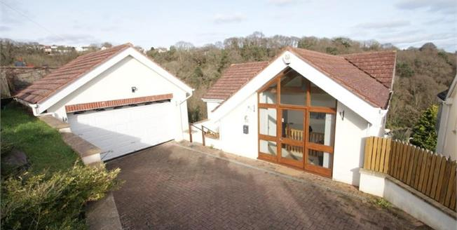 Guide Price £325,000, 6 Bedroom Detached House For Sale in Paignton, TQ3