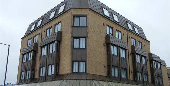 Offers in excess of £60,000, 1 Bedroom Flat For Sale in Paignton, TQ4