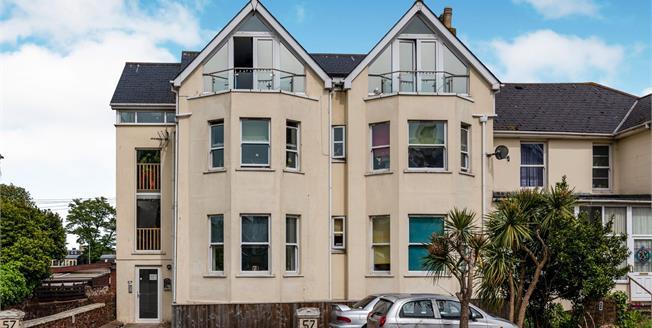 Asking Price £120,000, 2 Bedroom Flat For Sale in Devon, TQ4