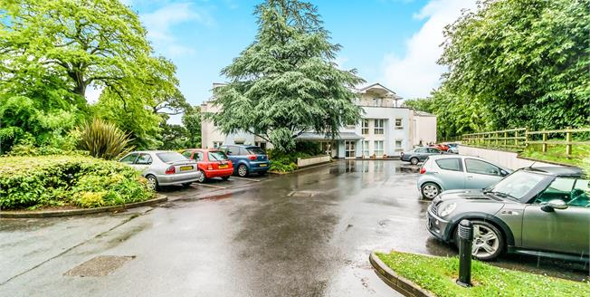 Offers in excess of £159,500, 1 Bedroom Flat For Sale in Plympton, PL7