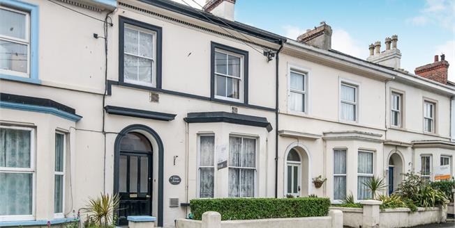 Asking Price £130,000, 3 Bedroom Flat For Sale in Seaton, EX12
