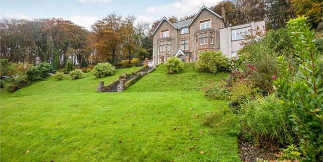 Offers in excess of £350,000, 3 Bedroom Flat For Sale in Sidmouth, EX10