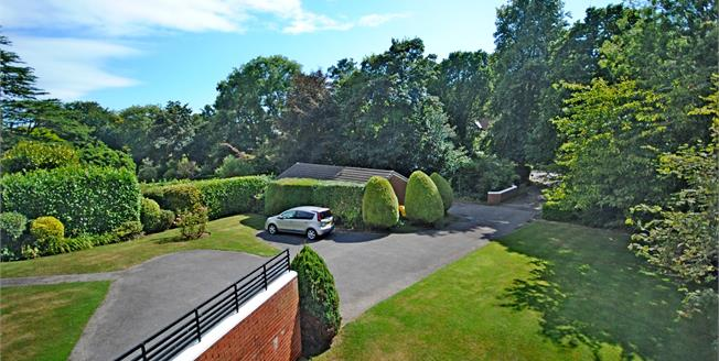 Guide Price £475,000, 3 Bedroom Flat For Sale in Sidmouth, EX10