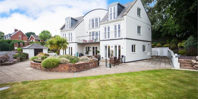 £385,000, 3 Bedroom Flat For Sale in Sidford, EX10