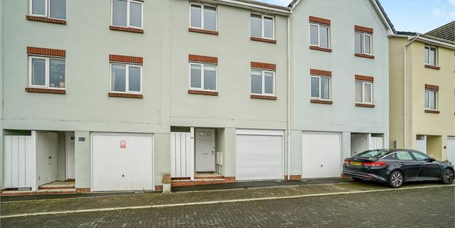 Asking Price £200,000, 4 Bedroom Terraced House For Sale in Plymouth, PL5
