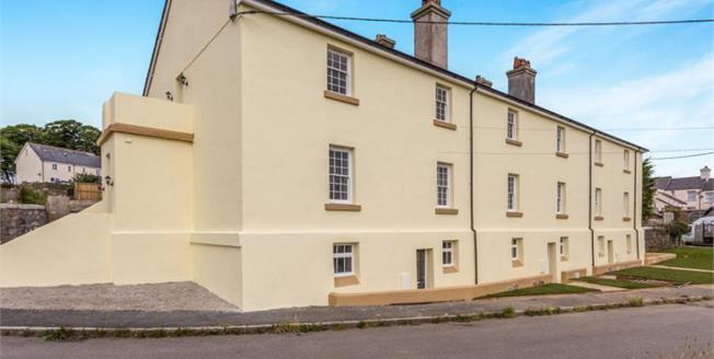 Guide Price £145,000, 3 Bedroom Ground Floor Flat For Sale in Yelverton, PL20