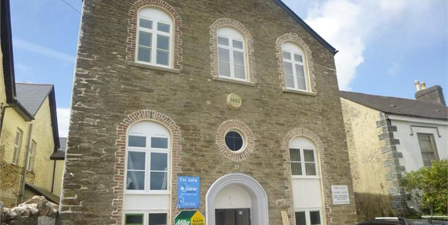 Guide Price £150,000, 2 Bedroom Flat For Sale in Callington, PL17