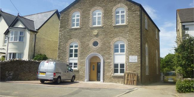 Guide Price £140,000, 2 Bedroom Flat For Sale in Callington, PL17