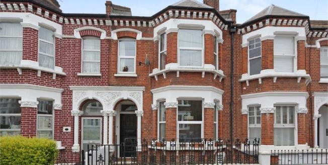 Asking Price £1,350,000, 4 Bedroom Terraced House For Sale in London, SW11